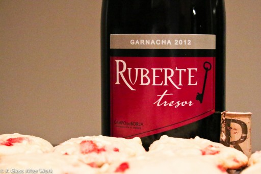 Bodegas Ruberte Tresor 2012 Garnacha and Cream Cheese, White Chocolate, & Strawberry Cookies